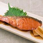 【ヒルナンデス】鮭の照り焼きの作り方。簡単漬けるだけで絶品おかずレシピ(5月28日放送)